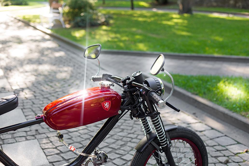 Přestavba moped Jawa Babetta 210 Cafe Racer